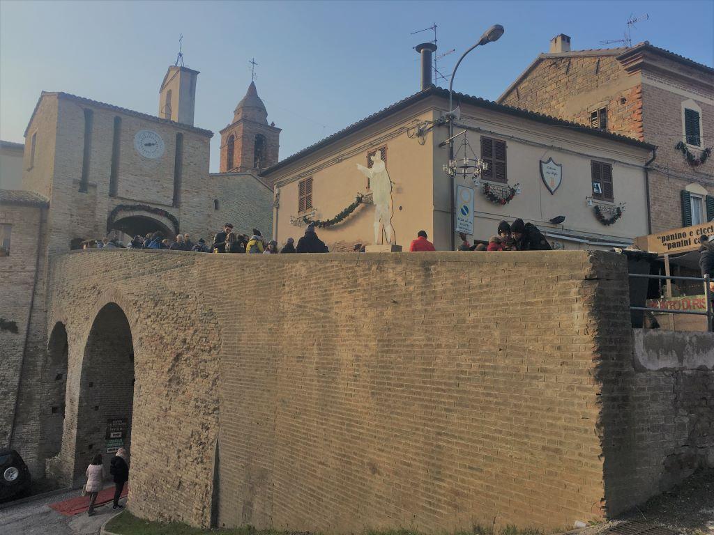 Candele a Candelara nelle Marche
