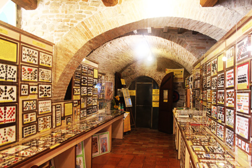interno del museo del bottone santarcangelo