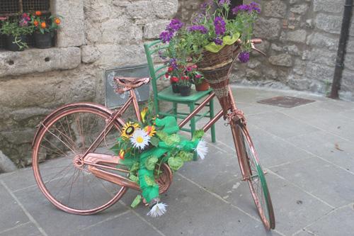 bici decorate peperino in fiore vitorchiano