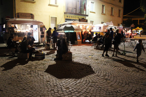 food truck artisti in piazza pennabilli