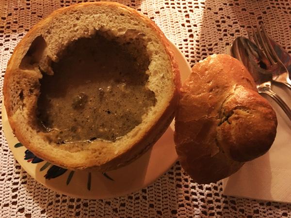 Morskie Oko: zuppa di pane ai porcini