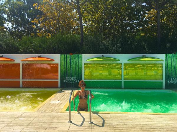 le piscine cromatiche di perle d'acqua
