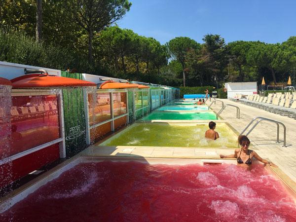 piscine cromatiche colorate perle d'acqua park riccione