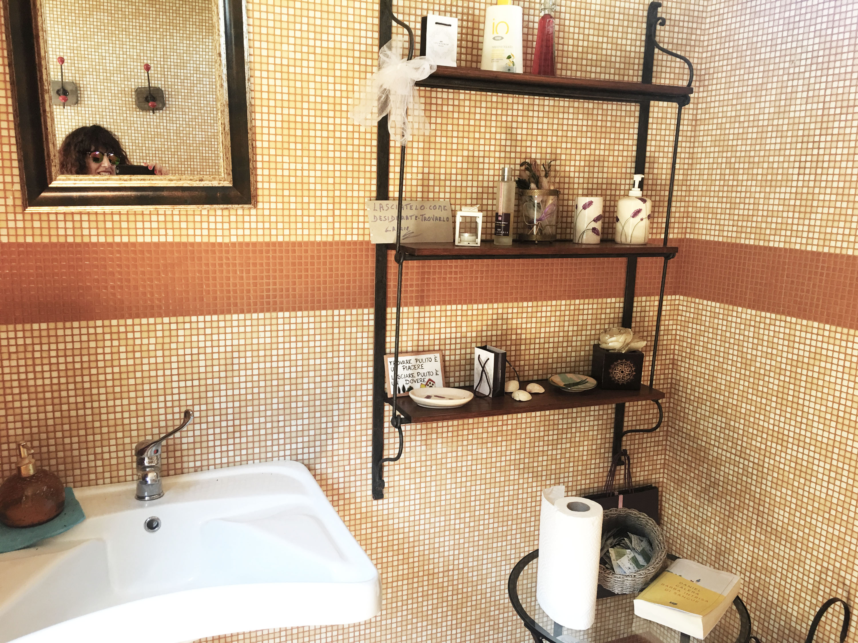 castelmuzio bagno salotto