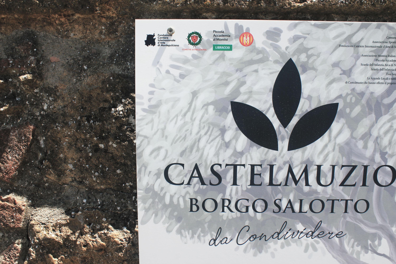 montepulciano e dintorni: castelmuzio il borgo salotto