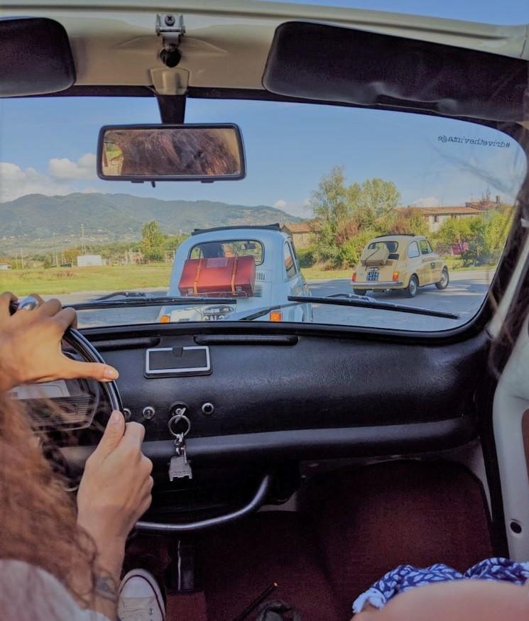 guidare una 500 vintage in toscana