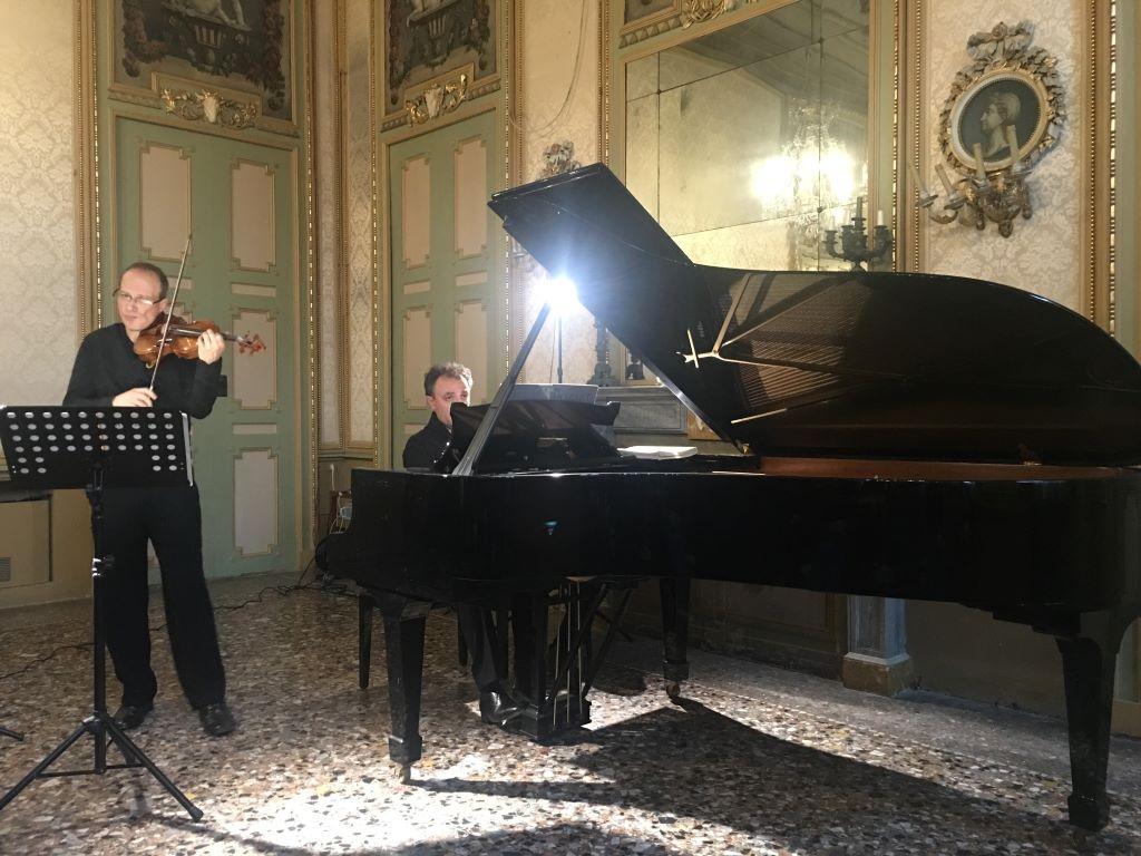 pianista claudio voghera e violinista francesco manara